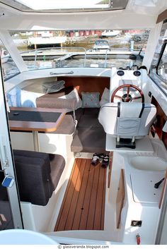 Choose a versatile and comfortable Cypress Cay pontoon boat for your family's lifestyle. Perfect for cruising the lake, watersports, parties and fishing. New Pontoon Boats, Fishing Pontoon Boats, Premier Pontoon, Yacht Charter Greece, Pontoon Party, Boating Quotes, Yacht Vacations, Family Boats, Classic Sailing