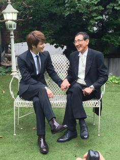 12 june 2013 2 Jae and his Dad! So cute!