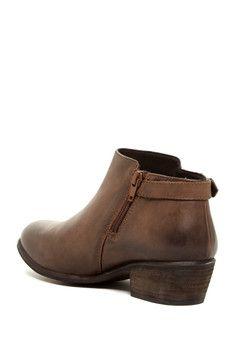 Blondo Calais Low Boot - Waterproof