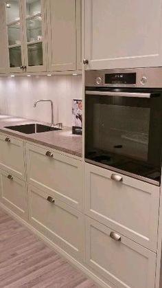 Ikea Kitchen Design, Luxury Kitchen Design, Diy Kitchen Storage, Interior Design Kitchen, Kitchen Decor, Kitchen Ideas, White Shaker Kitchen Cabinets, Diy Kitchen Cabinets, Shaker Style Cabinets