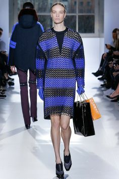 Foto BHW201415 - Balenciaga Herfst/Winter 2014-15 (9) - Shows - Fashion - VOGUE Nederland