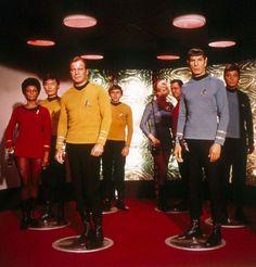 «Espace, frontière de l'infini, vers laquelle voyage notre vaisseau…