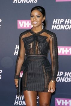 For the VH1 Hip Hop Honors: All Hail The Queens event in New York City, Kelly Rowland wore a short  black mesh dress and matching sandals. The dress is a couture piece by Elie Youssef and what we love is the detailing and how it is so perfect on Kelly. Look at those legs!