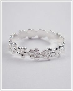 cute toe ring!!