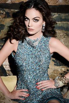 Ximena Navarrete, ex - Miss. Universo, en homenaje a María Félix. Vestido: Benito Santos, diseñador mexicano.