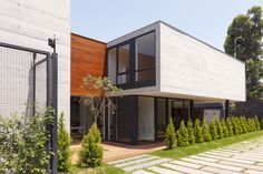 Gallery of Subtracted House / Seinfeld Arquitectos - 12