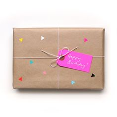 // 25 Ways to Wrap with Brown Paper. // 25 Ways to Wrap with Brown Paper. is creative inspiration for us. Creative Gift Wrapping, Present Wrapping, Creative Gifts, Birthday Gift Wrapping, Christmas Gift Wrapping, Birthday Gifts, Gift Wrapping Ideas For Birthdays, Birthday Ideas, Christmas Presents