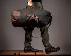 Inspired by the original US military duffle bag, the Waxed Canvas Duffle Bag features a classic look and ready for an all-rugged adventure. Canvas Duffle Bag, Duffel Bag, Satchel Bag, Waxed Canvas, Canvas Leather, Saddle Leather, Leather Bag, Pink Leather, Leather Handbags