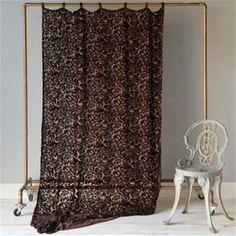 http://www.thegardengates.com/bella-notte-linens-and-bedding-cp409.aspx