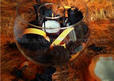 Centro tavola con fiori di carta crespa per halloween