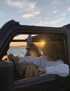 Summer Feeling, Summer Vibes, Urbane Fotografie, Photos Bff, Summer Goals, Best Friend Pictures, Bff Pictures, Friend Photos, Beach Pictures