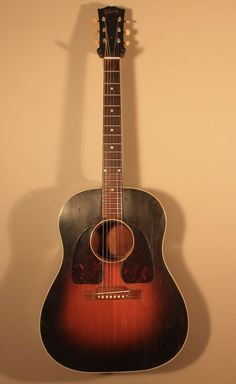Vintage 1947 8 Gibson J 45 Gibson Acoustic, Gibson Guitars, Acoustic Guitar For Sale, Music Guitar, Guitars For Sale, Guitar Collection, Guitar Design, Vintage Guitars, Music Instruments