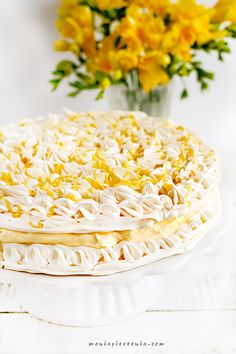 Tort cytrynowo - bezowy - Lemon meringue Meringue, Homemade Pastries, Lemon Curd, Pavlova, Yummy Cakes, Vanilla Cake, Tart, Cheese, Anna