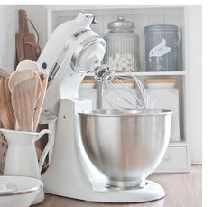 KitchenAid ® Artisan Metallic Chrome Stand Mixer … My dream KitchenAid mixer … Toy Kitchen, Kitchen Items, Kitchen Aid Mixer, Kitchen Utensils, Kitchen Tools, Kitchen Gadgets, Kitchen Dining, Kitchen Decor, Kitchen Appliances
