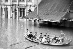 CLN The Jim Lucey Collection - Images of the 1955 Flood in Maitland Newcastle Town, Australian Road Trip, Australian Photography, Dark Stories, Great North, Local History, Aerial View, Historical Photos, Old Photos