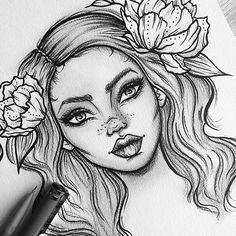 Florals and faces, my favourite combo! Would any of you be interested in custom commissions where the portrait is already done like this but you can choose the flower colours and sizes? Could be a cool alternative to selling prints of my work!