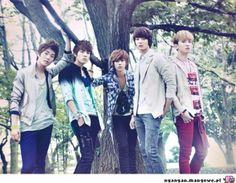 SHINee, Key, Jonghyung, Onew, Minho, Taemin. #bestbandever everybody and dream girl