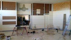 Imagen tomada durante el proceso de montaje en obra de los panelados.