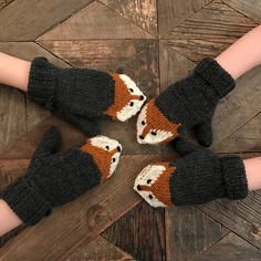 Ravelry: Fox mittens pattern by Eva Norum Olsen Loom Knitting Patterns, Knitting Yarn, Baby Knitting, Knitting Tutorials, Hat Patterns, Free Knitting, Stitch Patterns, Crochet Toddler, Crochet Baby Clothes