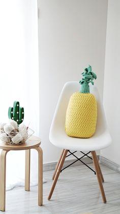 DIY Crochet Pineapple Pillow