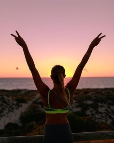 We often gaze in wonder at mountains stand in awe at the colours of a sunset watch in amazement as our night sky glitters with stars galaxy's...life. Strangely we seem to pass by ourselves everyday without a blink. You are endlessly beautiful and more incredible than you will ever know  #freshbodyfitmind abx Free 7day Pre Training guide  Click the link in my bio! @hm #hmsport by amandabisk