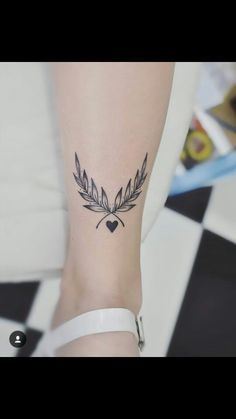 Minimalist tattoo, minimalist tattoo Every tattoo processed on the skin has a . - Minimalist tattoo, The Effective Pictures We Offer You About Minimalis - Hand Tattoos, Neue Tattoos, Body Art Tattoos, Girly Tattoos, Small Tattoos, Tatoos, Planet Tattoo, Tattoo Process, Geniale Tattoos
