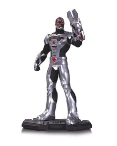 """DC COMICS ICONS CYBORG 1:6 SCALE STATUE SCULPTED BY GENTLE GIANT STUDIOS The sports superstar turned superhero Victor Stone is capable of infiltrating any computer network as the half-man, half-machine hero Cyborg. Now he's ready to infiltrate your home with this stunning statue from DC Collectibles. Limited Edition of 5200 Measures Approximately 11"""" Tall * $99.95 US * On Sale May 2014 * Allocations May Occur"""