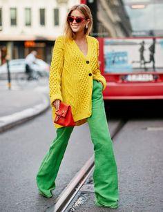 Stockholm Fashion Week S/S 2019 - The Style Stalker - Street Style by Szymon Brzóska Street Style Outfits, Looks Street Style, Mode Outfits, Fashion Outfits, Casual Outfits, Fashion Mode, Look Fashion, Spring Fashion, Fashion Week 2018