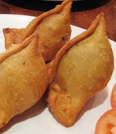 Vegetable Samosas....I must try!! Check out more desings at: http://www.mehndiequalshenna.com/