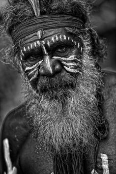 Professor Wayne Quilliam owner of Aboriginal Photography has been capturing the essence of culture through photos, videos and drones for more than 30 years. Aboriginal Tattoo, Aboriginal Man, Aboriginal Culture, Aboriginal People, People Photography, Portrait Photography, Australian Aboriginal History, Australian Aboriginals, Australian People