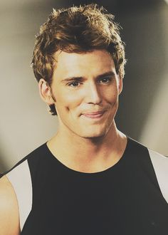 Can we all just take a moment to appreciate how amazing Sam Clafin AKA Finnick, truly is :)