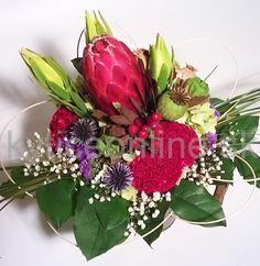 Trocha exotickej nálady kvetov Prothea.  Kytica kvetov  Aranžérskeho štúdia Dano- www.kyticeonline.sk