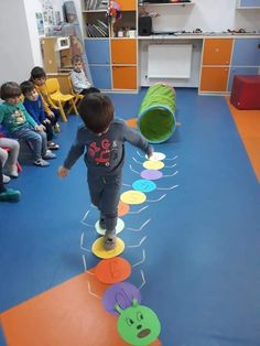 Physical Activities For Kids, Gross Motor Activities, Kids Learning Activities, Color Activities, Indoor Activities, Classroom Activities, Preschool Activities, Games For Kids, Math Crafts