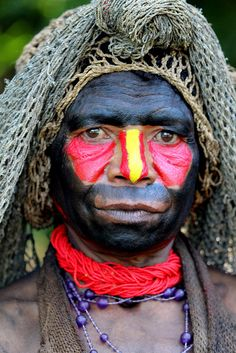 Oceania - Papua New Guinea / Bodypaint by RURO photography, via Flickr
