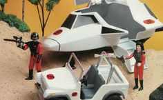 """V"" Action Figures and Vehicles"