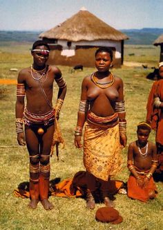 "Africa | Fingo family (Amafengus ~ ""Homeless Wanderers"". Transkei, South Africa 