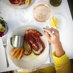Lunch time com @doutorgourmet aqui no @mykrestaurante {} Gente o que é esse lugar?? Completamente #inlove por esse polvo... #lunchtime #instafood #polvo