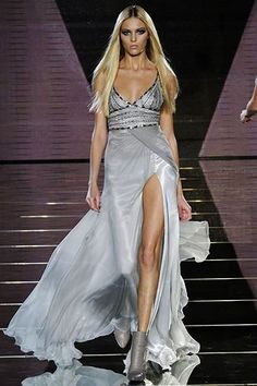 Versace Fall 2006 Ready-to-Wear Fashion Show - Anja Rubik