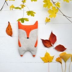 Fox pal for baby Fox Crafts, Diy And Crafts, Softies, Diy Sewing Projects, Sewing Crafts, Fox Pillow, Fabric Toys, Toy Art, Animal Pillows