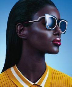 Fendi sunglasses. 276€. Buy it on ojoxojo.es #sunglassses #Fendi #gafasdesol