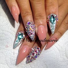 I've had D do my nails. Nothing short of spectacular! I travel to let her grace my nails!