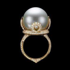 Through Elia's Eyes : Photo High Jewelry, Modern Jewelry, Pearl Jewelry, Jewelry Stores, Jewelry Rings, Jewelery, Jewelry Accessories, Vintage Jewelry, Jewelry Design