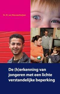 """De (h) erkenning van jongeren met lvb. Maroesjka van Nieuwenhuijzen 2010, SWP. """"De aandacht voor jongeren met een lichte verstandelijke beperking in de reguliere jeugdzorg neemt toe. Het besef groeit dat de problematiek van deze jongeren en hun gezin dusdanig complex is dat het vraagt om een specifieke aanpak en specifieke expertise en aanpak bij de professional. Daarnaast is belangrijk dat zij rekening houden met deze beperkingen."""" website: http://www.swpbook.com/1354"""