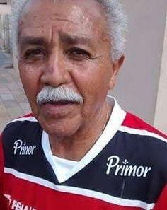 Professor Jordão – Uma vida de amor ao Esporte – Por Jefferson Paz http://www.jornaldecaruaru.com.br/2016/01/professor-jordao-uma-vida-de-amor-ao-esporte-por-jefferson-paz/