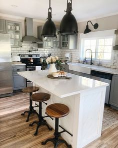 A perfect farmhouse kitchen styled by - Our Vintage Bar Stools are the perfect touch to this gorgeous space! A perfect farmhouse kitchen styled by - Our Vintage Bar Stools are the perfect touch to this gorgeous space! Modern Farmhouse Kitchens, Farmhouse Style Kitchen, New Kitchen, Cool Kitchens, Kitchen Ideas, Awesome Kitchen, Farmhouse Decor, Kitchen Layouts, Beautiful Kitchen