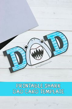 How to Make a Shark Card for Dad's birthday or as a homemade Father's Day card. This printable shark template is fun for kids obsessed w/the Baby Shark song Yoda Card, Minion Card, Homemade Fathers Day Card, Fathers Day Cards, Kids Birthday Cards, Dad Birthday, Mom Cards, Kids Cards, Father's Day Card Template