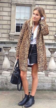 Day Two at London Fashion Week (Fashion Me Now) Leopard Print Outfits, Leopard Print Coat, Leopard Jacket, London Fashion Weeks, Fashion Me Now, Everyday Fashion, Fashion Fashion, Fashion Outfits, London Stil