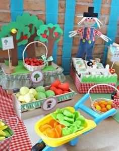 Birthday cake ideas for kids farm animals 68 Trendy ideas Farm Party Games, Barnyard Party, Stall Decorations, Fiesta Decorations, 1st Boy Birthday, 3rd Birthday Parties, Birthday Cake, Farm Theme, Animal Party
