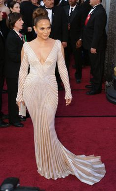 Best Oscar Dresses: Frocks That Changed The Red Carpet (PHOTOS)