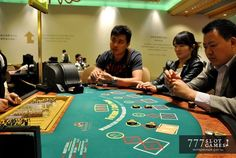Чего боятся владельцы казино в Макао.  Скорость роста игорного бизнеса, а значит и всей экономики Макао, в последние годы замедлилась. Аналитики связывают это с борьбой с коррупцией в Китае. © 777SlotGames «Интересные факты» #777slotgames #gamblinglife #casinolife #macau #casino